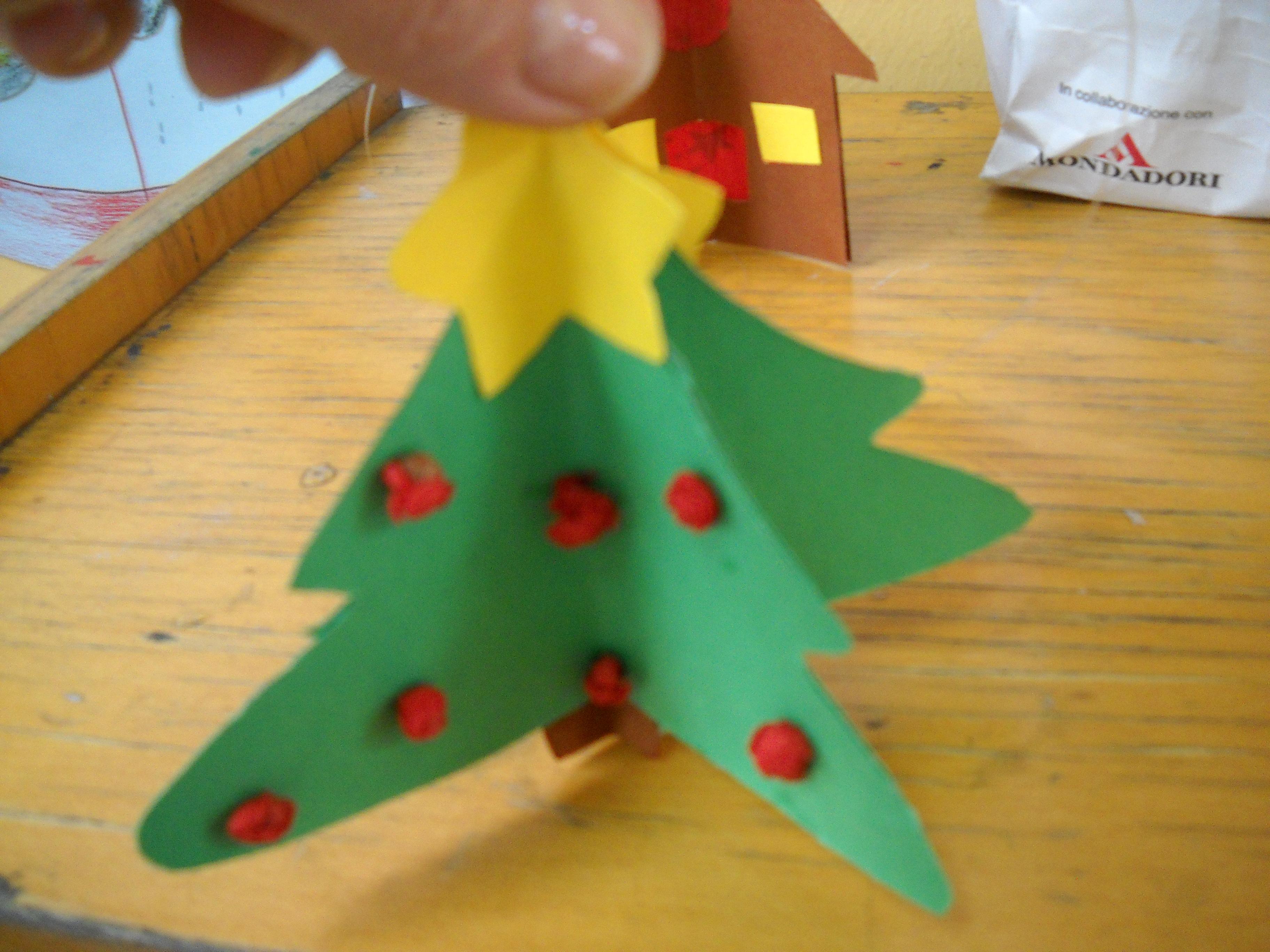 Schede di pregrafismo natalizio maestramaria for Addobbi di natale scuola primaria