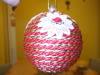 pallina rivestita con cordoncino rosso e dorato