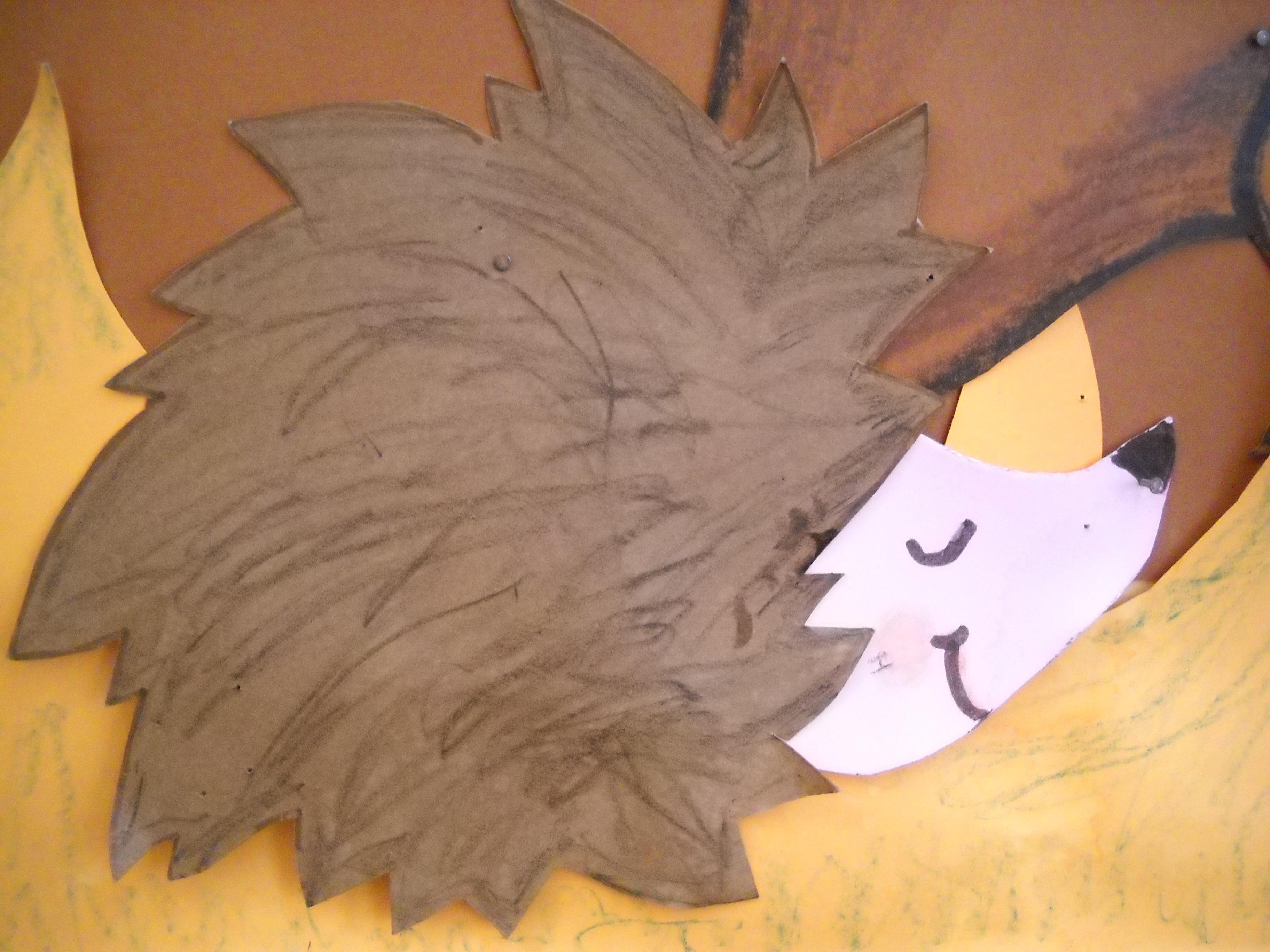 Riccio con cartoncino maestramaria for Addobbi autunno scuola infanzia