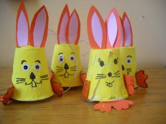 coniglietti con bicchieri coniglietti riciclati