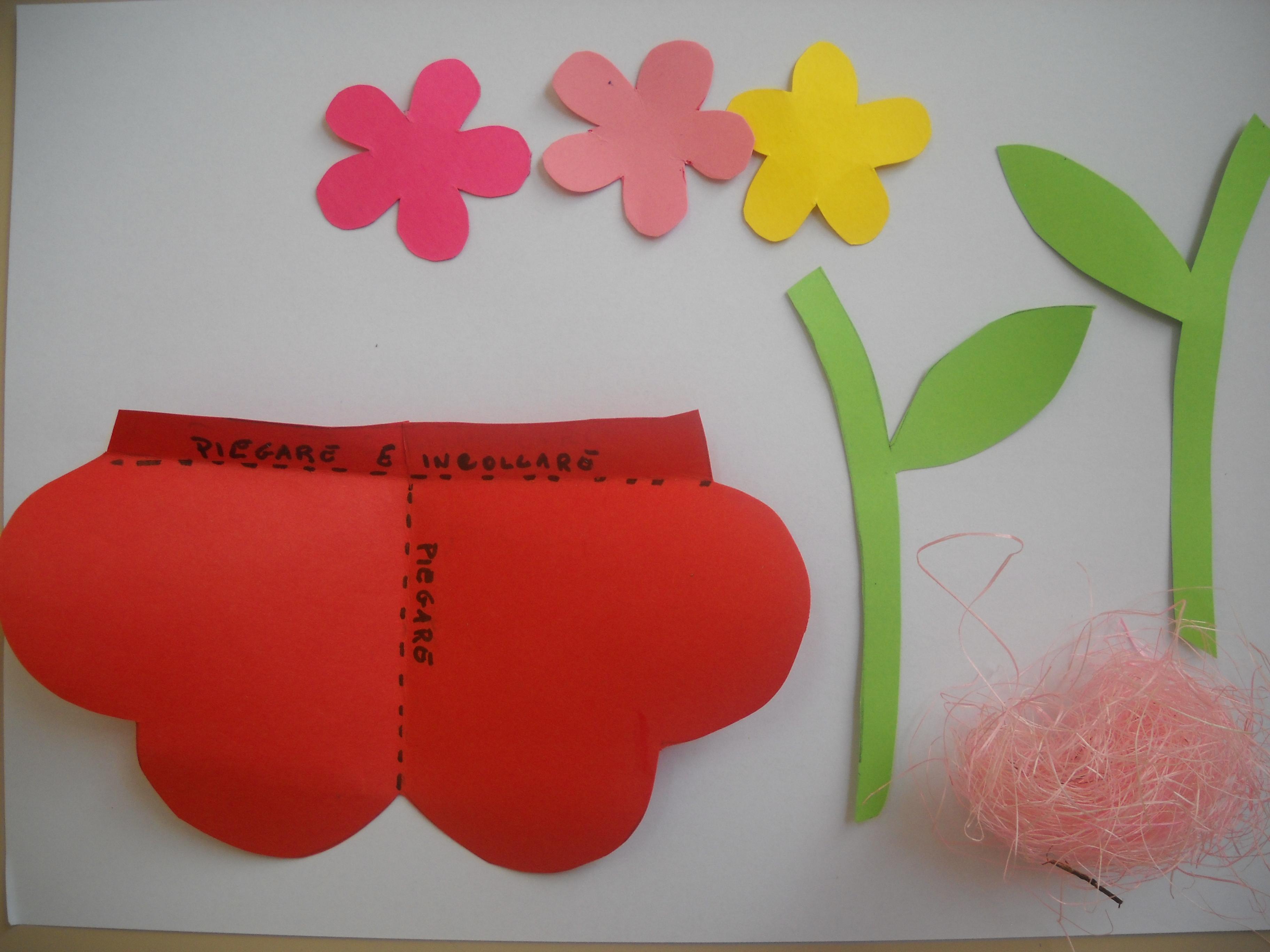 Lavoretti per la festa della mamma maestramaria for Lavoretti per scuola infanzia