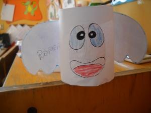 Fantasmino con rotolo di carta igienica