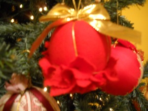 Angeli con tulle per addobbare l albero filastrocche for Maestra gemma recite di natale