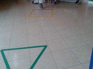 Imparo le forme geometriche con i giochi motori (6)