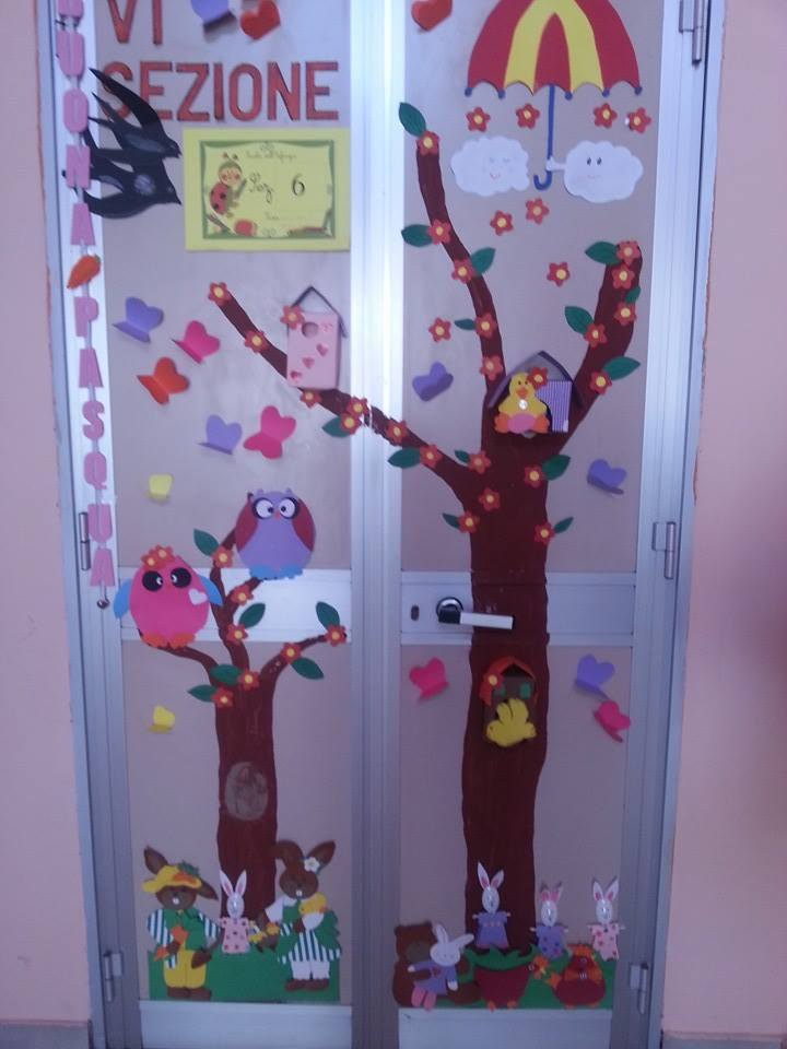 Lavoretti e addobbi primavera maestramaria for Addobbare la porta dell aula