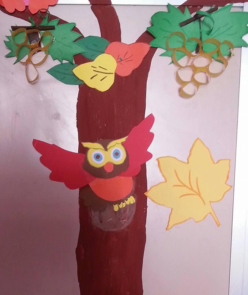Lavoretti per l autunno maestramaria for Addobbare la porta dell aula