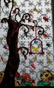 decorazione autunnale alla finestra