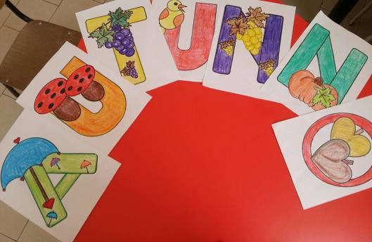 Disegni da colorare scuola infanzia e primaria animaletti for Addobbi autunno scuola infanzia