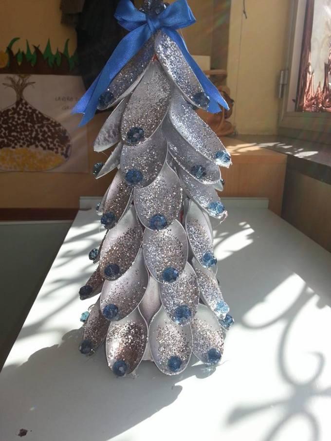 albero di Natale con cucchiai